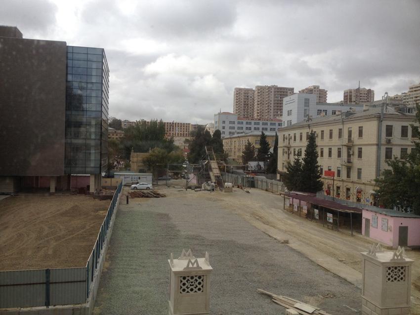 Наблюдая строительство новой библиотеки и новой станции метро в Баку — ФОТО