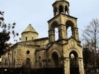 Армянская церковь в центре Баку — ФОТО