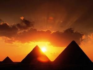 teoriya-piramida