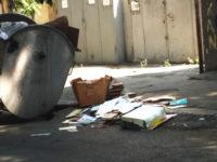 В Азербайджане книги просто выкидывают на помойку