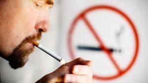 """Курильщиков в Азербайджане продолжают """"давить"""""""